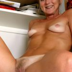 milf très sexy en photo 066