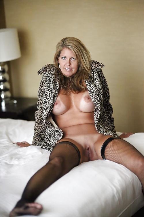 sexe nu en photo de cougar du 64