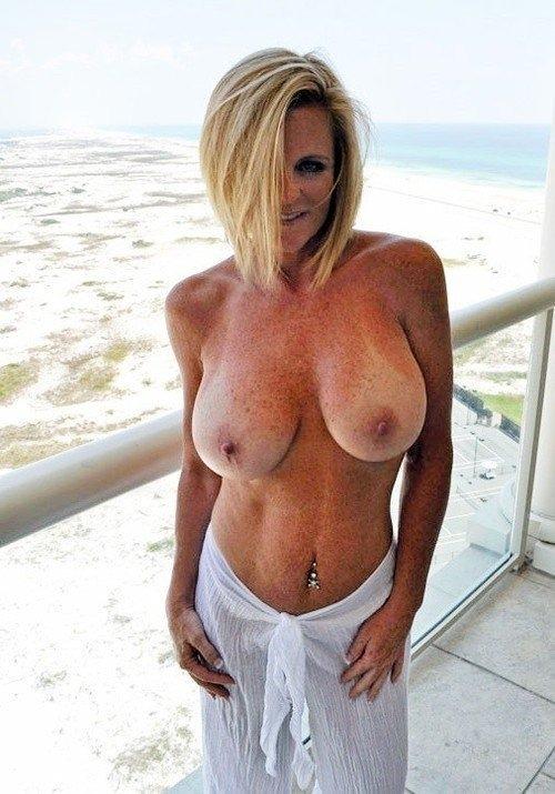 douce jeune femme coquine du 43