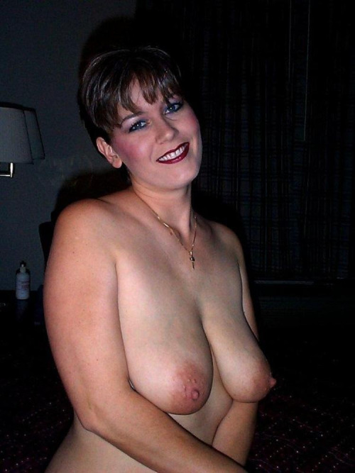 maman cougar chaude en photos 060